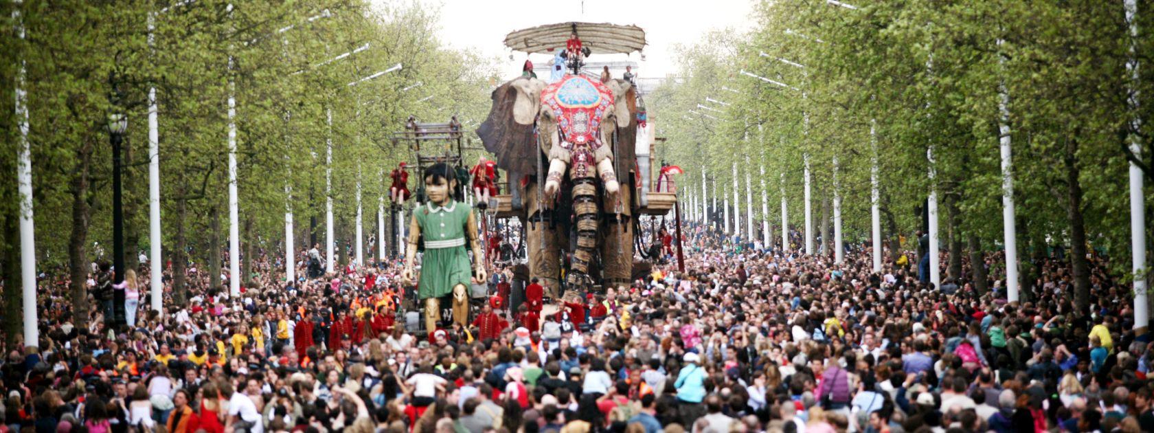 The Sultan's Elephant, Royal de Luxe, 2006. Produced by Artichoke in London. Photo by Matthew Andrews.
